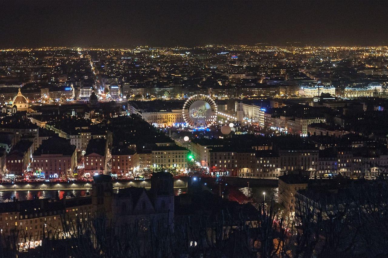 Lyon pendant la fête des Lumières 2013, vue de la colline de Fournvière (Rhône, France)
